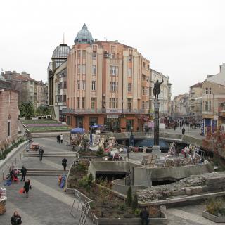 Конструктивно укрепване и преустройство на съществуваща сграда за обществено ползване, гр.Пловдив